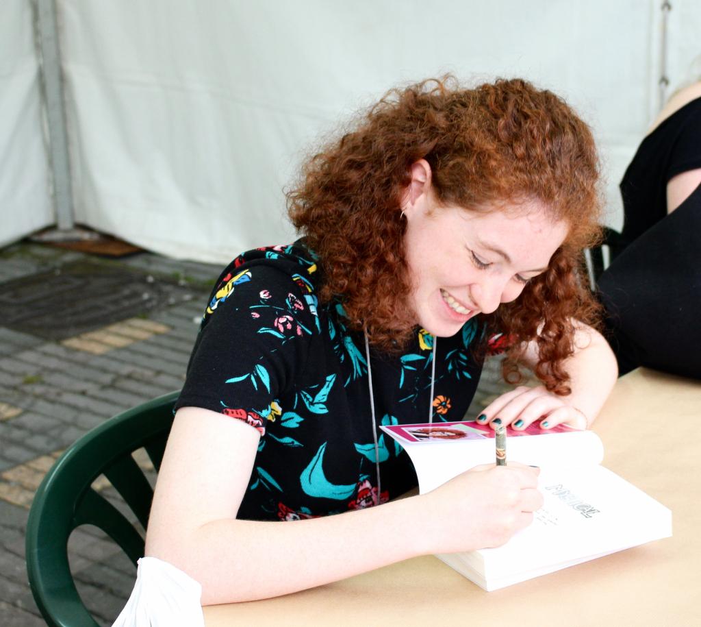 Marta Álvarez escribir libros por encargo